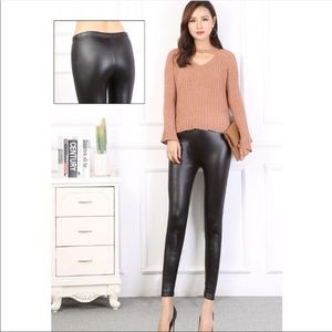 Just IN! Trendy Faux Leather high Waist leggings